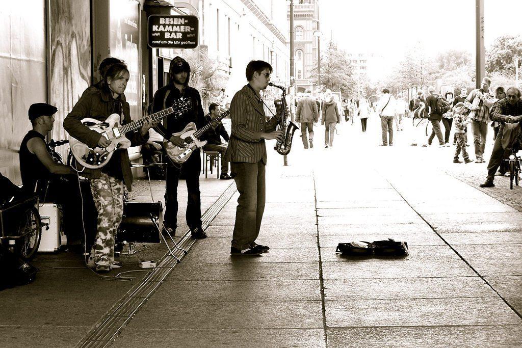 Saxophon-Musiker-Straße